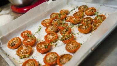 עגבניות שרי בתנור