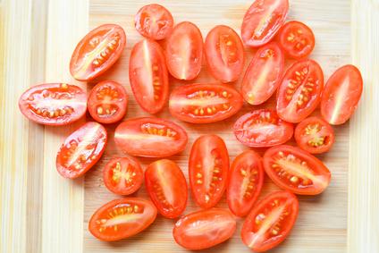 סלט עגבניות שרי חגיגי